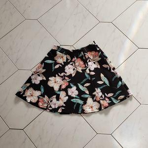 Decree Black Floral Scuba Knit Skirt Size Medium